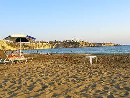 Coral_bay_beach